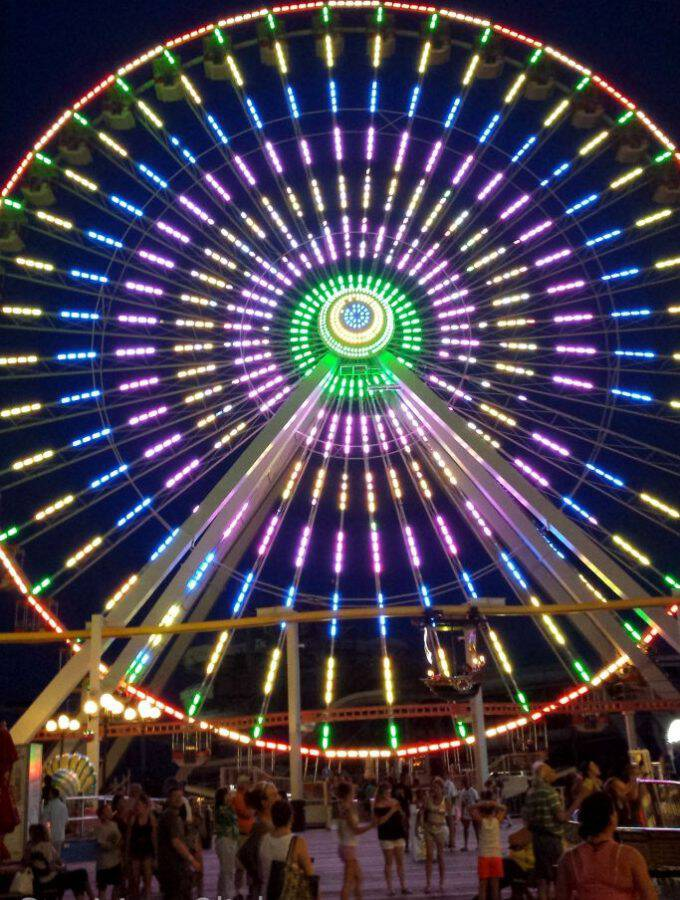 The ferris wheel on Morey's Piers in Wildwood, NJ is HUGE and mesmerizing at night! I could (and might have!) watch for hours. Here are my favorite pics.