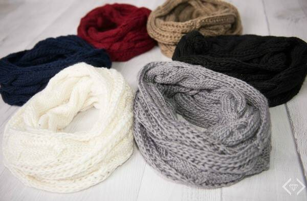 A cable knit infinity scarf is a perfect way to style a winter outfit, and it's cozy, too! These are only $7.95 shipped and come in 6 colors.