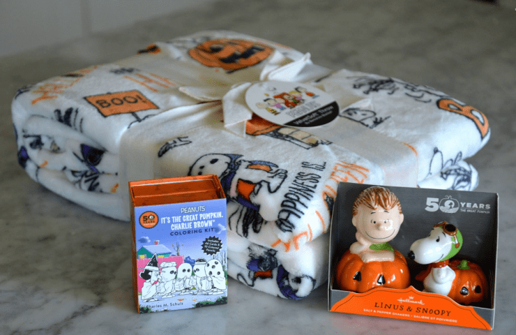 Cozy Up With The Peanuts Gang This Halloween + Giveaway