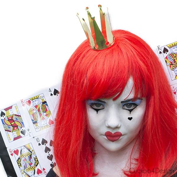 Cheap and Easy Queen of Hearts Costume
